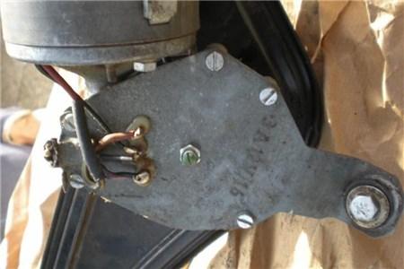 NOS 12V wiper motor. OG part nr: 211955113H