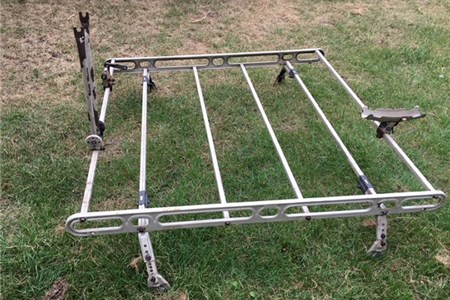 Zeta 60s Beetle roof rack with attachments for a bike