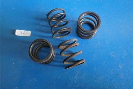 NOS Compression spring part nr 211415587